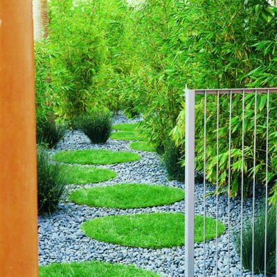 Steal this idea for shady side yard swapping mosaic or shade-tolerant stepabbles for grass: Gorgeous Gardens, Rivers Rocks, Side Yard, Gardens Paths, Step Stones, Landscape Ideas, Pathways Ideas, Grass Circles, Yard Ideas