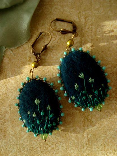 Felt earrings Miss Lavish by filzgood
