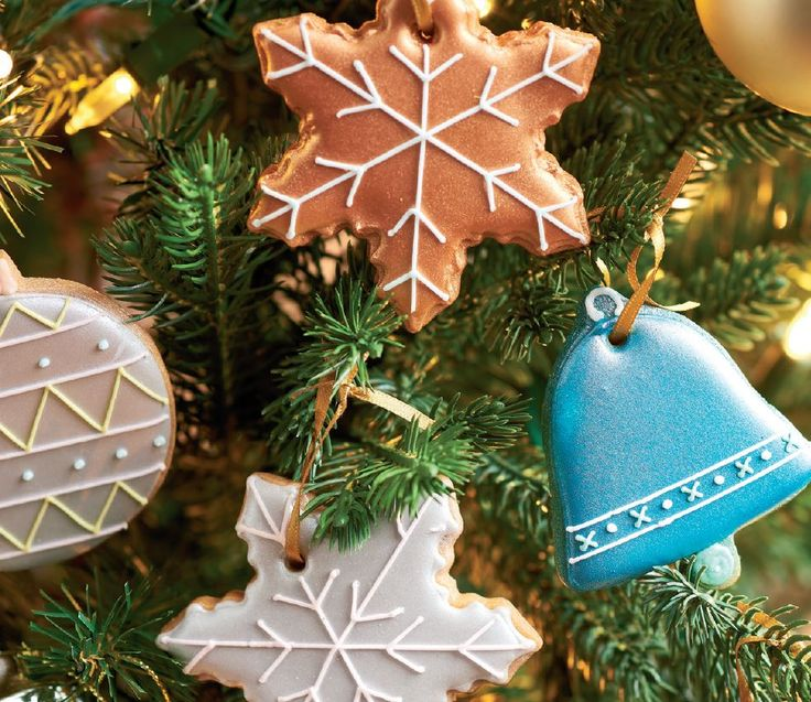 Ice your own Christmas Tree Decorations