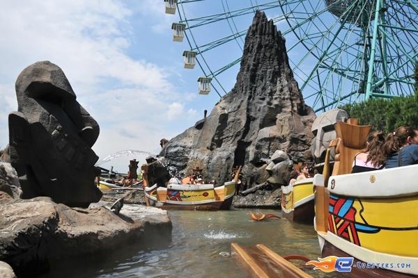 2/13 | Photo de l'attraction Raratonga située à Mirabilandia (Italie). Plus d'information sur notre site http://www.e-coasters.com !! Tous les meilleurs Parcs d'Attractions sur un seul site web !!