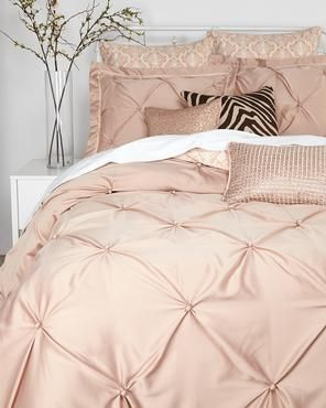 VINCE CAMUTO Rose Gold Queen Comforter Set