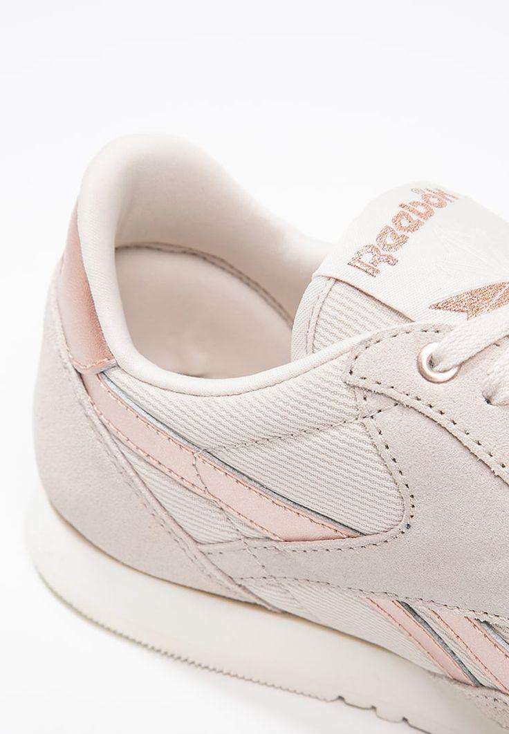 Diese Klassiker gehören einfach auf die Straße. Reebok Classic CLASSIC - Sneaker low - stucco/chalk/rose gold für 69,95 € (09.06.16) versandkostenfrei bei Zalando bestellen.
