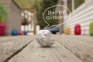 How to Clean Grill Grates with Aluminum Foil