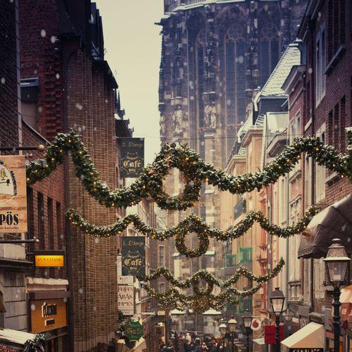 Christmas!Christmas Time, Christmas Shops, Wonder Time, Cities Street, Winter Wonderland, White Christmas, Holiday Style, Christmas Decor, Merry Christmas