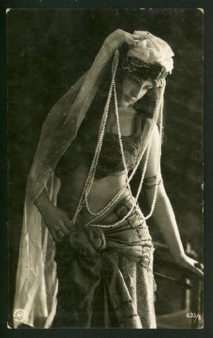 vintage gypsy | FEW AND FAR