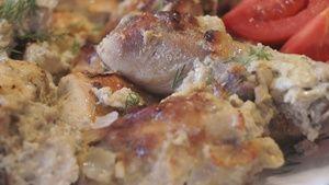 Фото к рецепту: Курица в кефире. Сочная, Нежная, Вкус Изумительный!