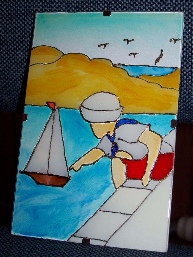 Kisfiú hajóval