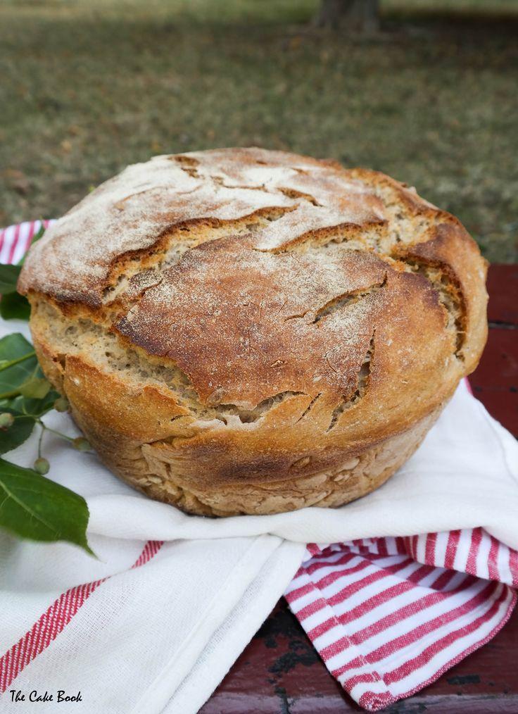 Chleb pszenno-żytnio-orkiszowy ze słonecznikiem
