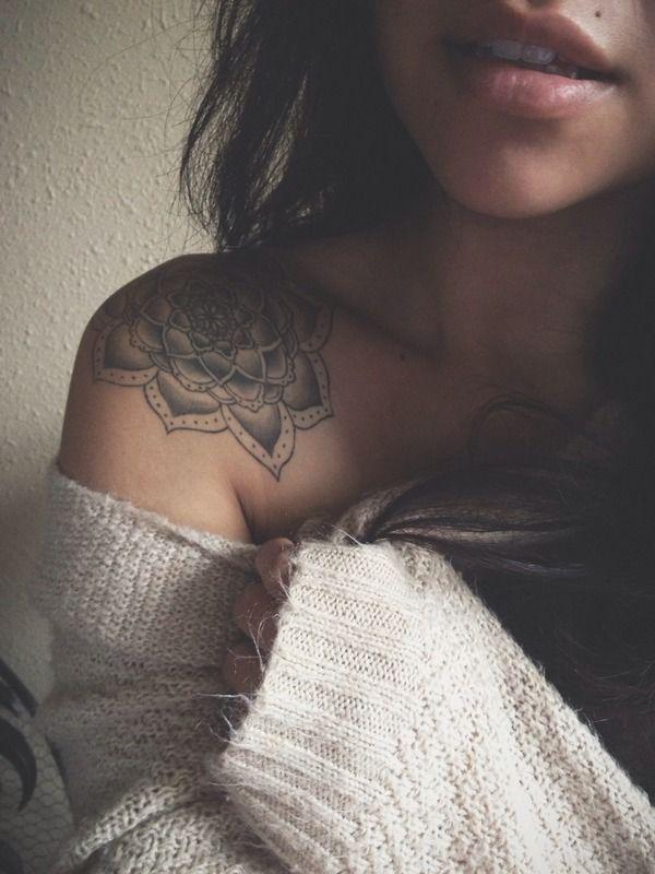 tattoo-journal   35 Fashionable Shoulder Tattoo designs for Girls – Symbols of Beauty   http://tattoo-journal.com