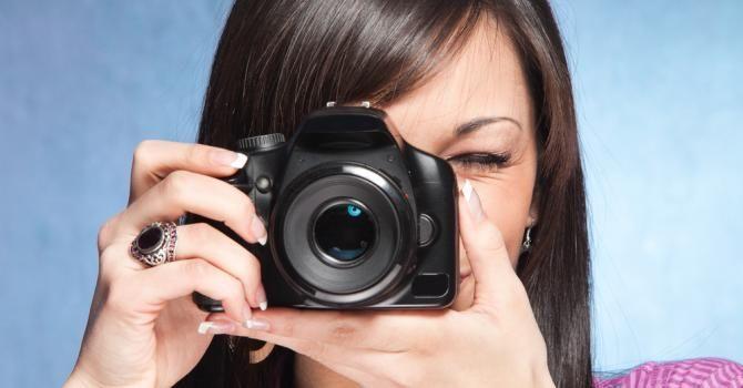 Comment se mettre en valeur sur les photos quand on est ronde : http://www.fourchette-et-bikini.fr/beaute/comment-se-mettre-en-valeur-sur-les-photos-quand-est-ronde-30416.html