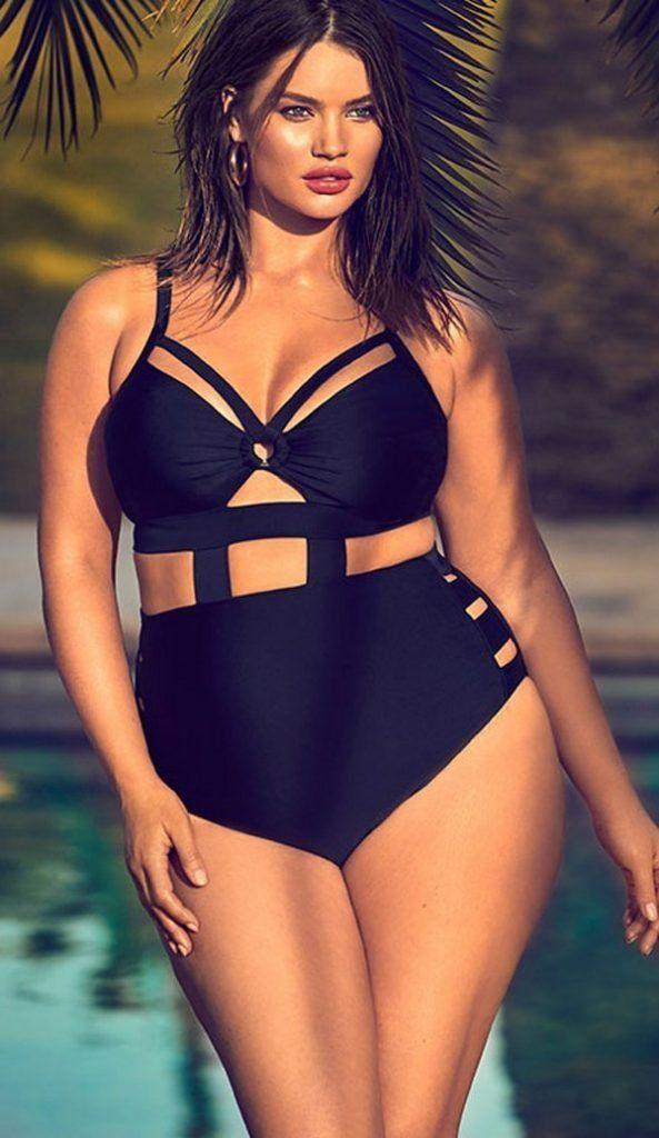 175bf04892c12 Самые модные большие купальники 2017-2018 для полных женщин. Фото новинки красивых  купальников больших размеров. Раздельные и слитные купа…