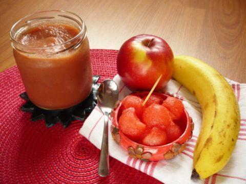 Přesnídávka bez cukru -2 jablka, 1 banán, 1,5 hrnku vodního melounu