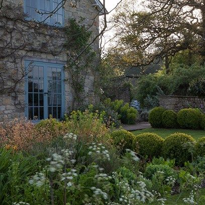From country cottage gardens to grand estates, be inspired by these quintessentially English garden designs
