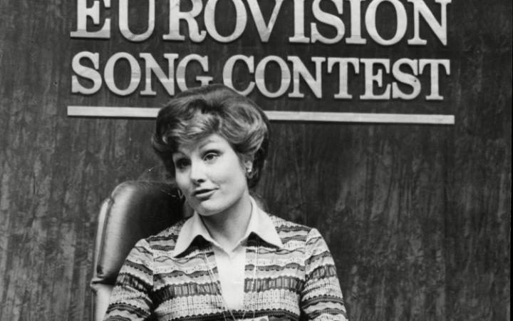 Eurovision Song Contest 1977 : Angela Rippon