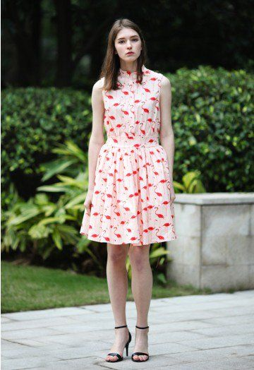 Looking for a print that's as bold as it is chic? Our playful flamingo print is bringing the 50's and 70's back with something way cooler than lawn ornaments! With pretty finishings like a button-down front and self-tie waist, this dress is simple yet conversation-starting.  - Triple layers skirt part - Button down through front - Self-tie ribbon on waist  - 65% Cotton, 35% Polyester - Hand wash cold / Machine wash gently Size (cm)  Length   Bust   Waist XS               94         84 ...