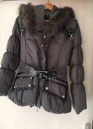 À vendre sur #vintedfrance ! http://www.vinted.fr/mode-femmes/doudounes/26184751-doudoune-grise-avec-fourrure