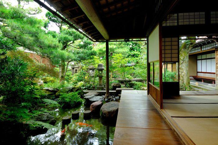 美しい日本庭園。 うっとりしてしまいますね。