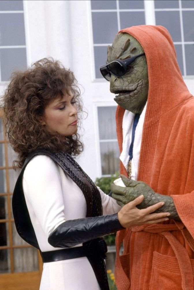V the Series 1984 Characters | Badler played the lizard 'Diana' in