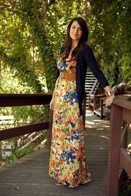 LOVE this Kendi outfit.  Really colorful but is grounded with the navy blue and tied together with a belt and great accessories.  WANT