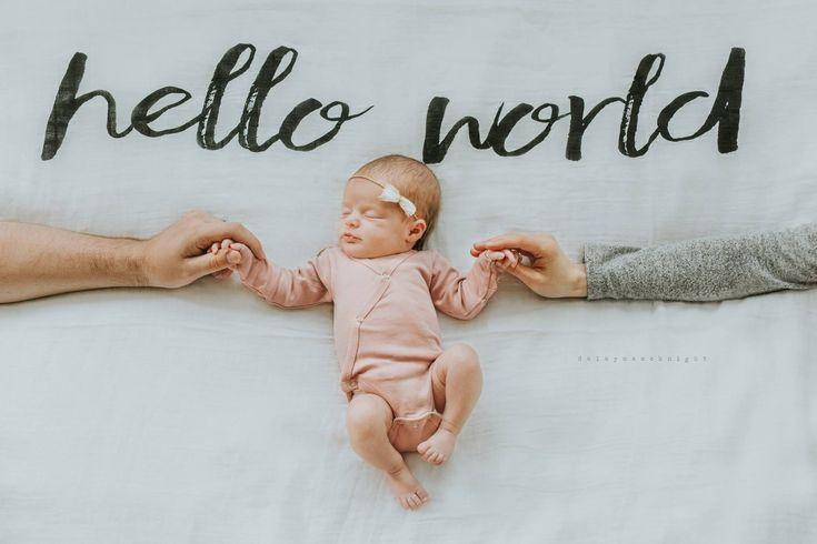 Mama und Papa halten Baby – Neugeborenes Bild … LIEBE ES
