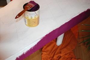 Peindre un meuble en carton