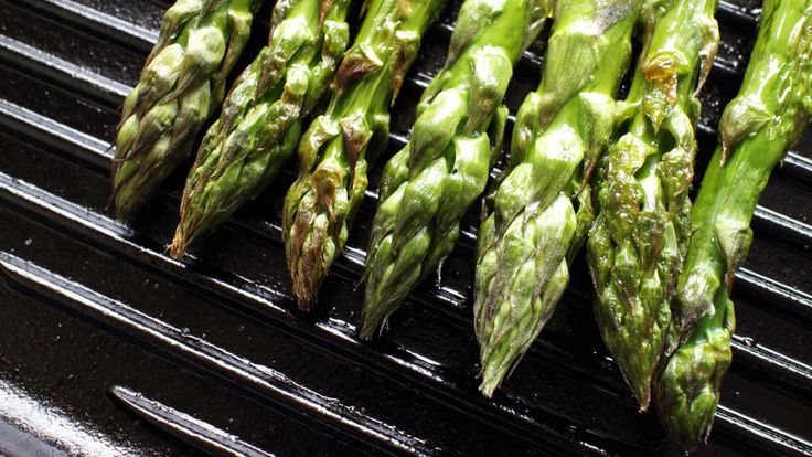 How to Blanch Asparagus Video - HealthiNation