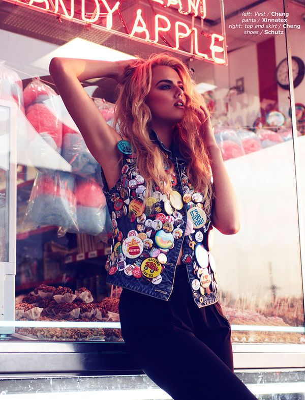Urban Pin-Up Editorials - The Guess Girl Design Scene Exclusive is Ultra-Feminine (GALLERY)