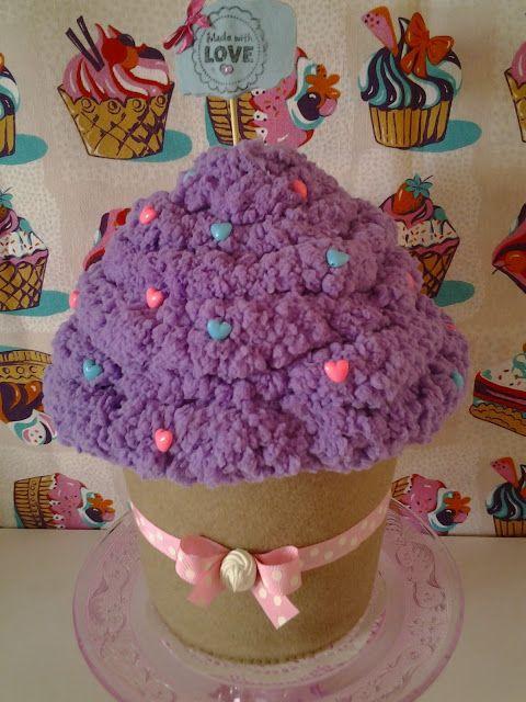 LA VIE EN ROSE: scatola a forma di cupcake ai mirtilli!