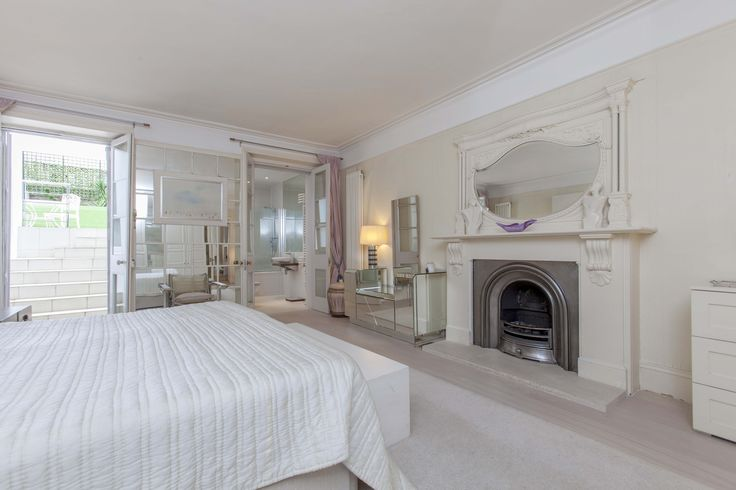 Bedroom basement flat London SW5 #cutlerandbond #basementflat #gardenflat #londonproperty