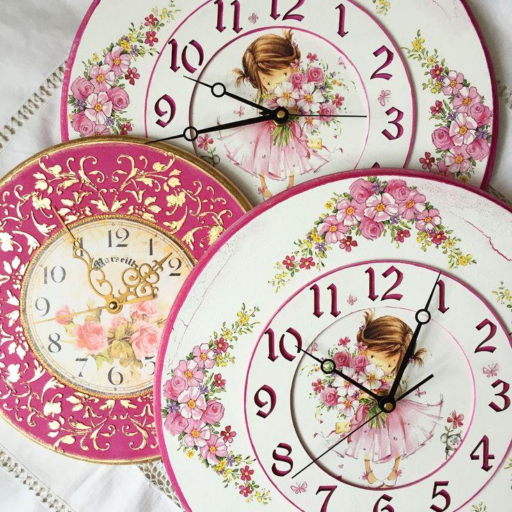 Добрый день! С таким удовольствием подекупажила, )))давно этим не занималась, заказы сегодня уехали домой, в разные города - Хабаровск и Нижний Новгород, к малышкам-девчонкам. И продолжаю делать ещё два заказа, конечно же Барокко!))))#часы #часынастенные #часыназаказ #часынастену #часыручнойработы #ручнаяработа #часывдетскую #часыдлядетей #часыдлядевочек #прованс #шеббишик #maison #handmade #золотыеручки #длядевочек #cloock #design #decor #provance #shabbychic