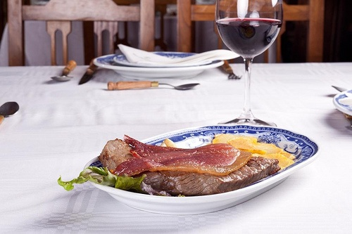 Bife de Vitela com presunto de porco bísaro Galeria de Bísaro-Salsicharia Tadicional