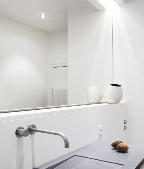 Villa minimalista juli 2011 bathroom pinterest - Interieur eclectique maison citiadine arent pyke ...