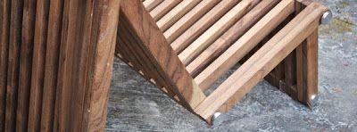 El diseñador mexicano Carlos Santaella de Estudio 408 diseñó la silla M, una pieza de mobiliario versátil que puede ser transformada dependiendo de las necesidades del usuario. Fabricada con madera tropical, la silla M puede ser utilizada al interior o en el exterior y sus uniones permiten movimiento entre sus piezas que logran cambiar la configuración de la misma en una silla, mesa o camastro.