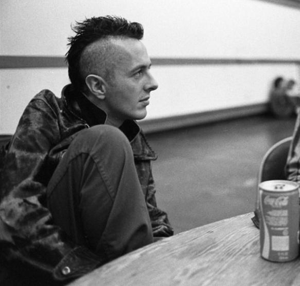 Joe Strummer: Punk Rock, Joe Strummer, Mohawks, Music Musicians Artists, Bands Musicians, People, Clash, Hair, Music Heroes