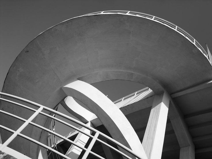 The helicoidal staircase of the Berta Stadium, Florence, 1932. Photo by Mario Carrieri, courtesy of Pier Luigi Nervi Project, Bruxelles