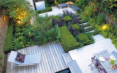 An urban garden by UK design Charlotte Rowe. Photo by Clive Nichols.