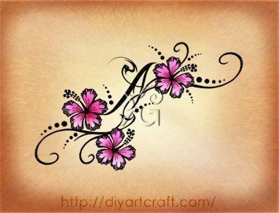 Maiuscola A tattoo rondini e hibiscus