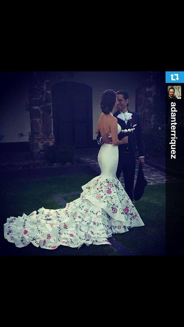 Vestido de novia bordado mexicano, algún día... Quizás...