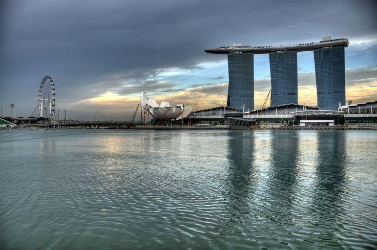 Amazing Places           - Marina Bay Sands - Singapore 🇸🇬 (byRobert Lowe)