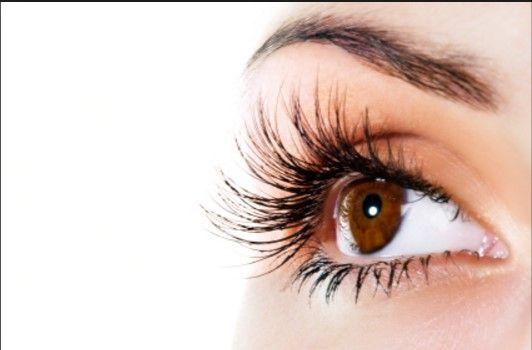 Eyelash hair transplants are one of the most delicate cosmetic procedures; Contact us and find out more today #eyelashestransplant #eyelashesgrow #hairrestorationwomen #eyelashestreatments #vincihairwomen