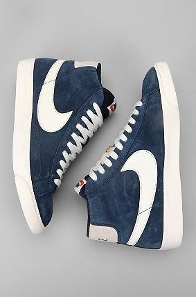 Using jean material to create a nike shoe brand.. LOVE IT