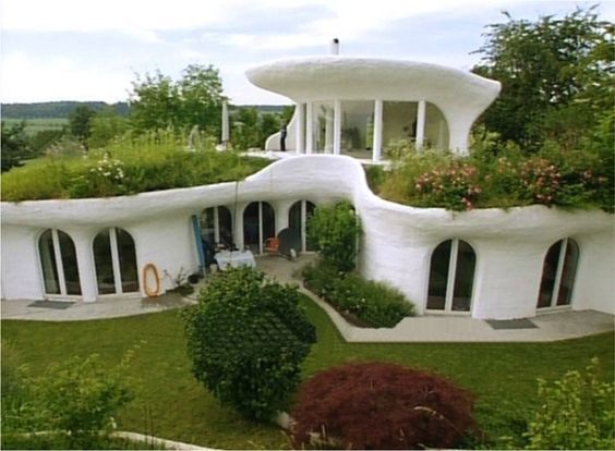 Another Earthship A Beautiful Harmonious Marriage Of Architecture And Nature Or Biotecture Earthship Home Eco Friendly House Earthship