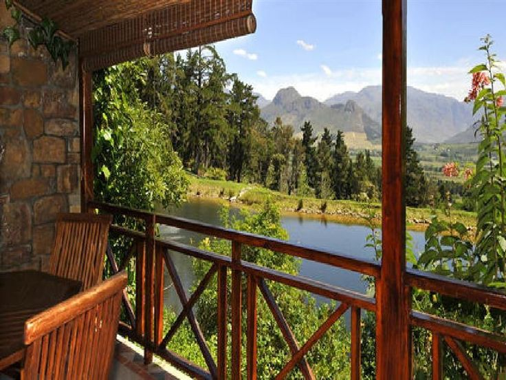 Mont Martre - Mont Martre consists of four charming cottages and is located in the beautiful Franschhoek. The property is surrounded by the most well-known wine estates and various popular restaurants.Each one of the ... #weekendgetaways #franschhoek #winelands #southafrica