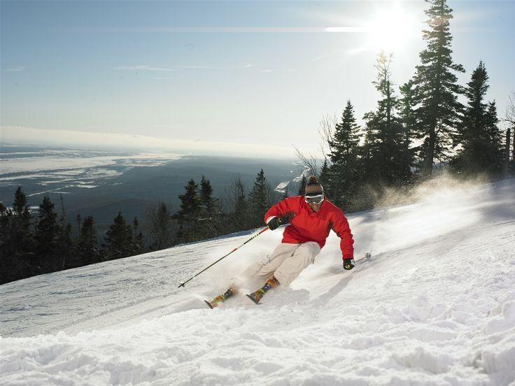 Alpine #Skiing at Mont-Sainte-Anne http://www.quebecregion.com/skiquebeci // #Ski alpin au Mont-Sainte-Anne www.quebecregion.com/ski Photo : Camirand