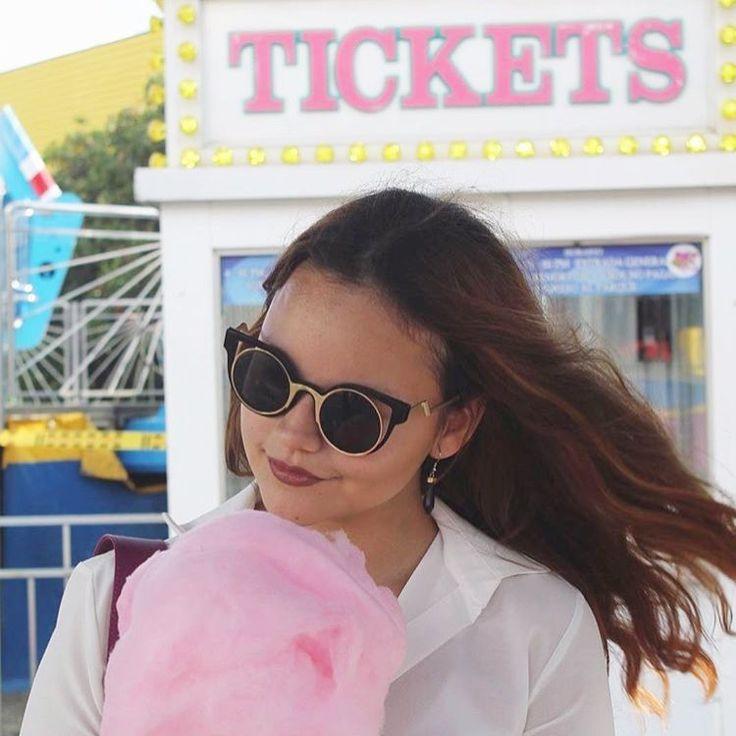 Cotton candy and Burdeos. The perfect combo by @isabelvesga #glips #glipscosmetics #glipstick #burdeos