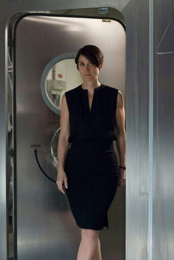 Carrie Anne-Moss / Jeryn Hogarth