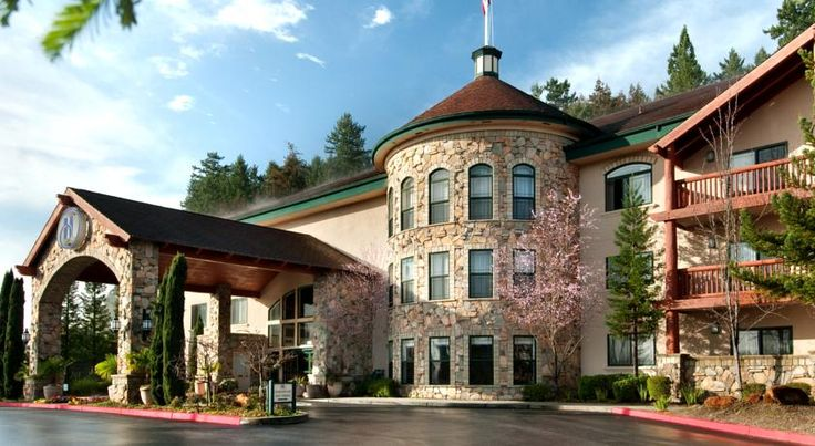 Hilton Santa Cruz/Scotts Valley Santa Cruz Just minutes from area beaches and the famous Santa Cruz Boardwalk, this hotel features spacious and comfortable accommodations as well as relaxing amenities in Santa Cruz, California.