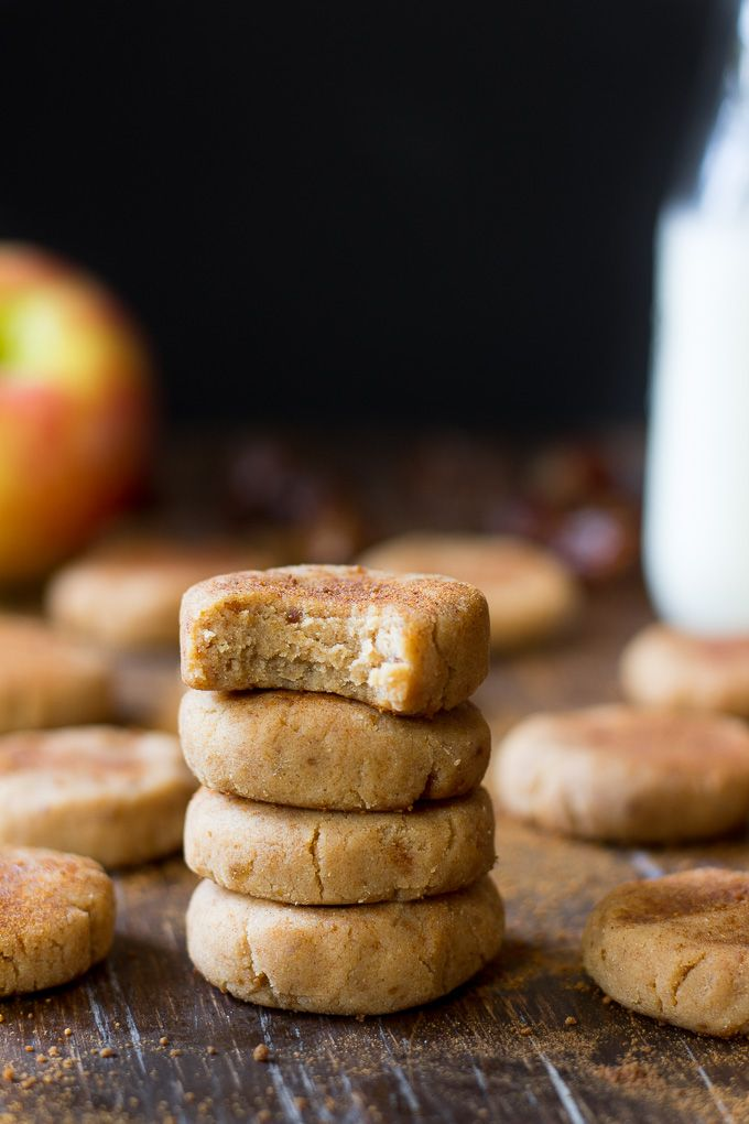 No-Bake healthy apple cinnamon cookies that are Paleo, vegan, refined sugar free and easy to make! This healthy snack is kid friendly and also nut free!
