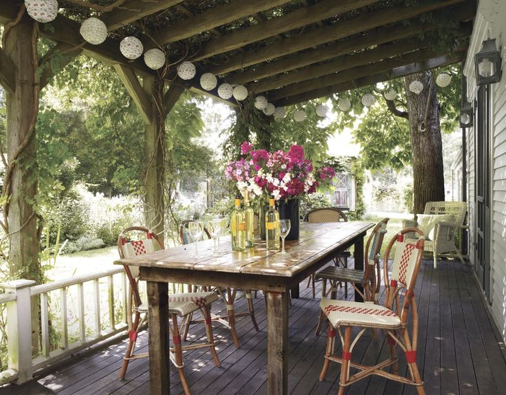 20 Perfect Porches For Lazing Al Fresco - ELLEDecor.com