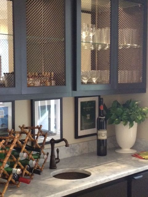 I love the screens in the doors, and the bamboo wine rack!